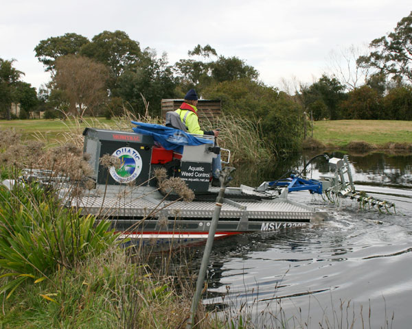 Aquatic Technologies Harvesting with Mobitrac